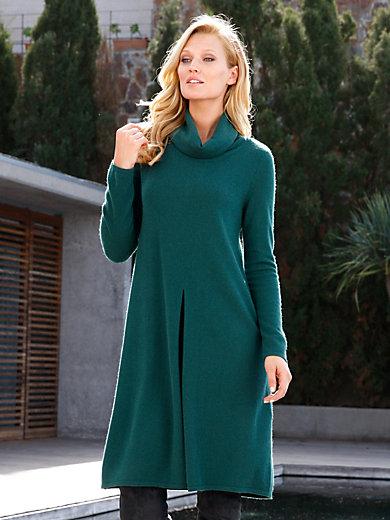 include - Stickad klänning i ren kahsmir